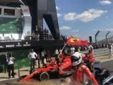 Феттель в невероятной разборке выиграл Гран-при Великобритании